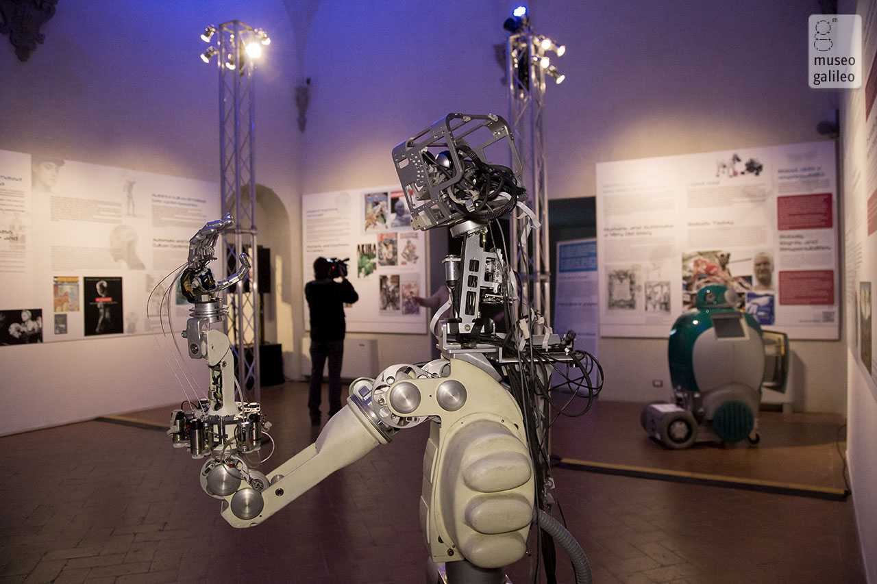 Nexus. Human-Machine Interaction in Contemporary Culture, Technology and Science. Robotic arm, Florence, Palazzo Medici Riccardi